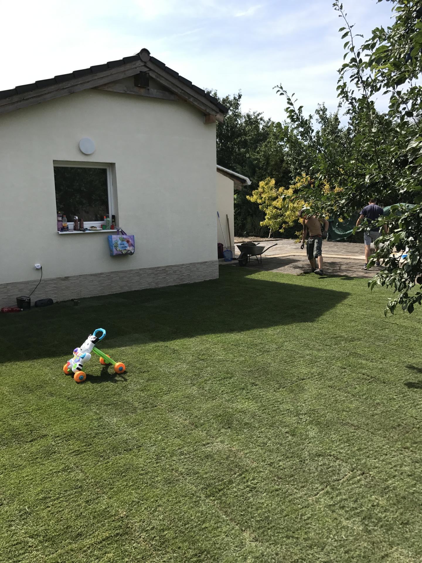Realizácia záhrad - Rezidencia Ivanka - Stellagarden